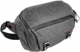 PEAK DESIGN Fourre-Tout Everyday Sling 10L Charcoal (OP BLACKPEAK)